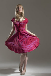 vintage-dress-red-blonde